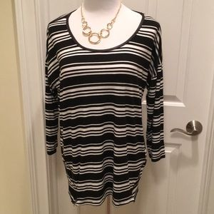 Kenar 3/4 Sleeved Scoop Neck Striped Tunic Top